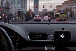 Zdrowsze i czystsze powietrza z jonami ujemnymi wpływającymi na lepszą koncentrację podczas prowadzenia auta zapewni jonizator Ion System AirCar